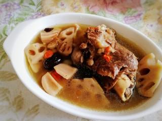 筒骨莲藕汤