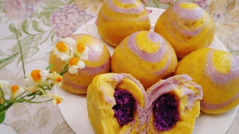 南瓜紫薯包,松软,香甜。