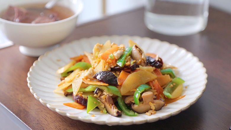土豆香菇炒蛋,成品