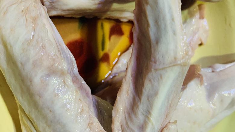 红烧鸭翅,解冻,洗净