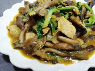 肉炖榛蘑小白菜
