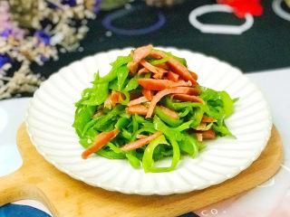 青椒炒香肠,特别下饭的家常菜