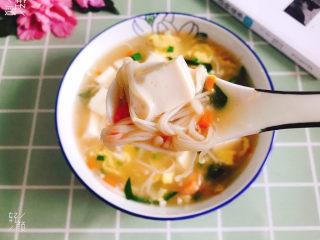 金针菇豆腐汤,开吃了,味道超级鲜美!