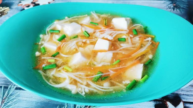 金针菇豆腐汤,金针菇豆腐汤成品图