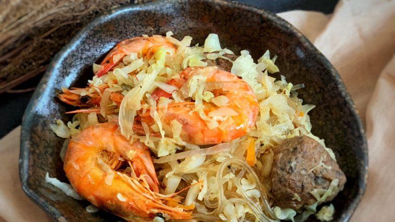 圆白菜炒虾,出锅