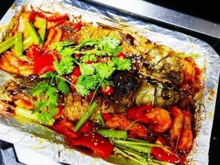 香煎鲫鱼水煮虾