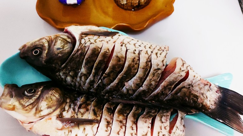香煎鲫鱼水煮虾,改到