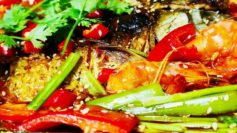 香煎鲫鱼水煮虾,看着是不是很有食欲