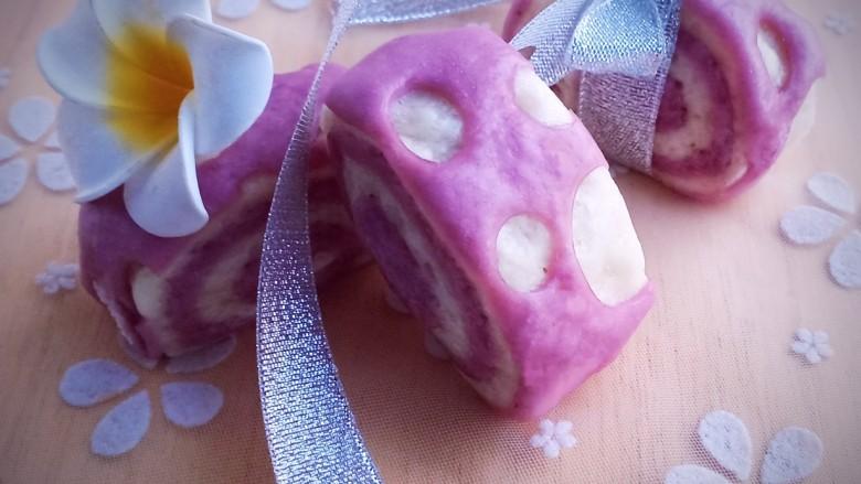 紫薯小馒头,吃不完的可以冷冻,吃的时候再蒸熟即可