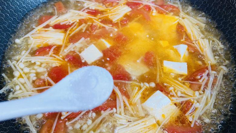金针菇豆腐汤,根据个人口味加入适量盐