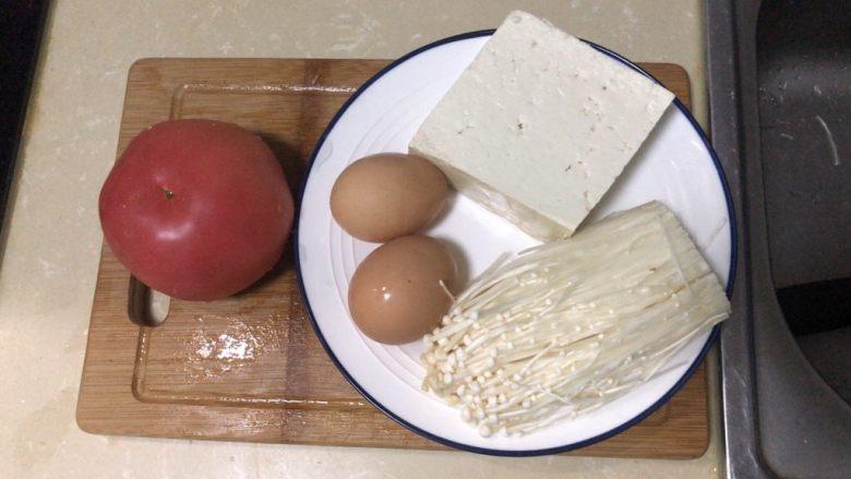 金针菇豆腐汤,食材准备