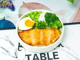 三文鱼鲜活波奇饭