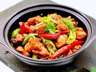 临沂炒鸡,出锅咯~下饭又营养。