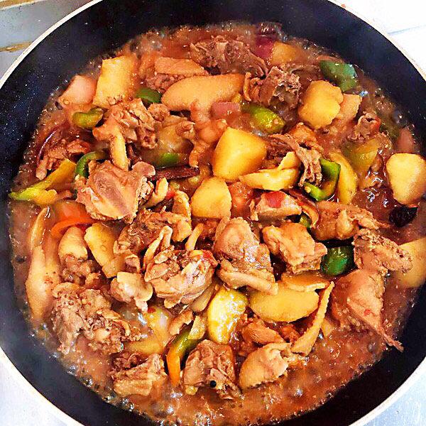 新疆大盘鸡,两分钟后收汁出锅。