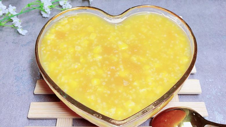 玉米南瓜粥,一碗颜色亮丽的玉米南瓜粥就上桌了!
