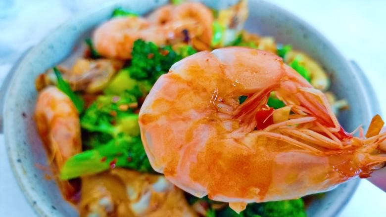 干锅西兰花,来吃对虾吧!