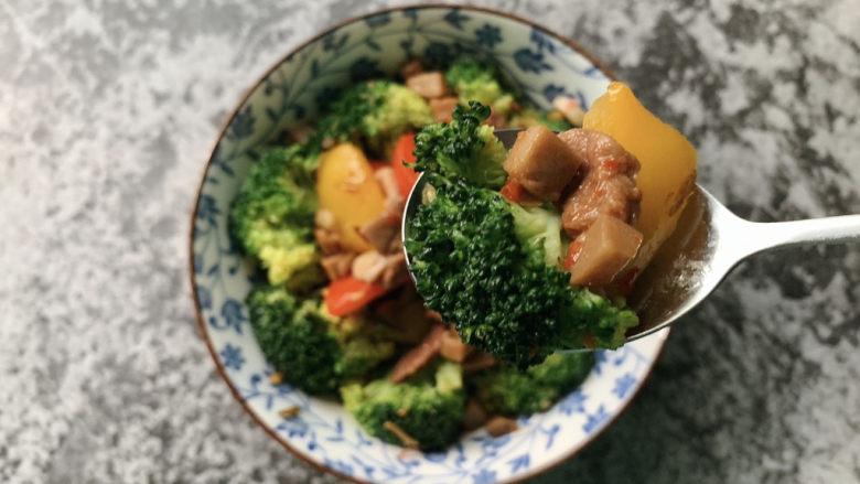 干锅西兰花,鲜辣干煸西蓝花,炒锅版本完成!
