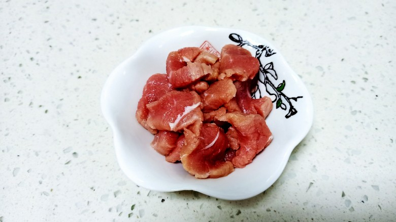 干锅西兰花,<a style='color:red;display:inline-block;' href='/shicai/ 414'>猪肉</a>切片