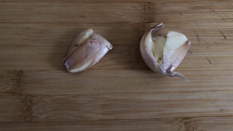 干锅包菜,蒜拍扁