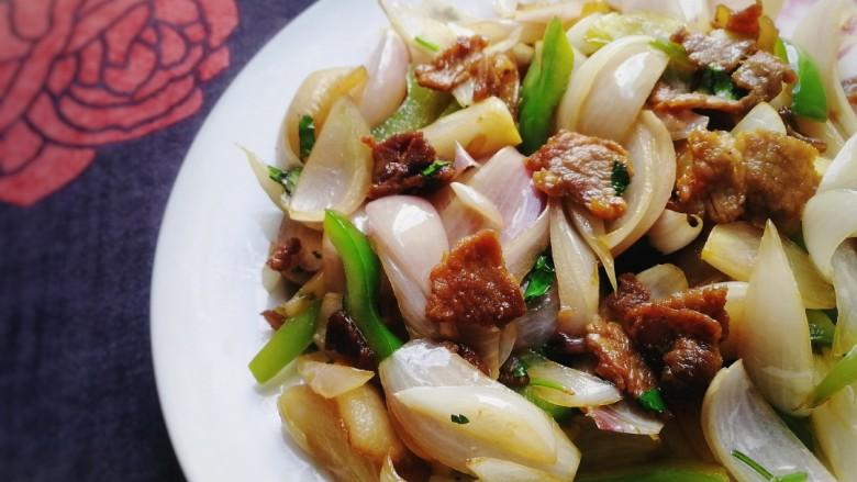 洋葱炒肉片,肉片嫩滑,洋葱脆爽,入味又下饭。