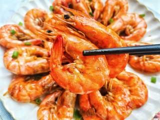 爆炒基围虾,好吃到停不下来。