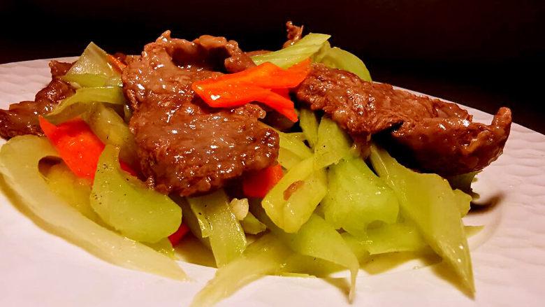 西芹炒牛肉,成品图
