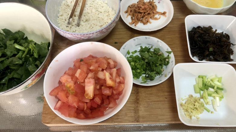 西红柿面疙瘩,全部食材准备好,开始下锅