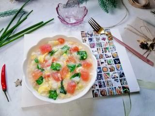 西红柿面疙瘩,拍上成品图,一道美味又营养的西红柿面疙瘩就完成了。
