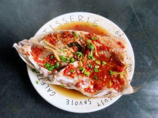 剁椒魚頭,看著就食欲大增~