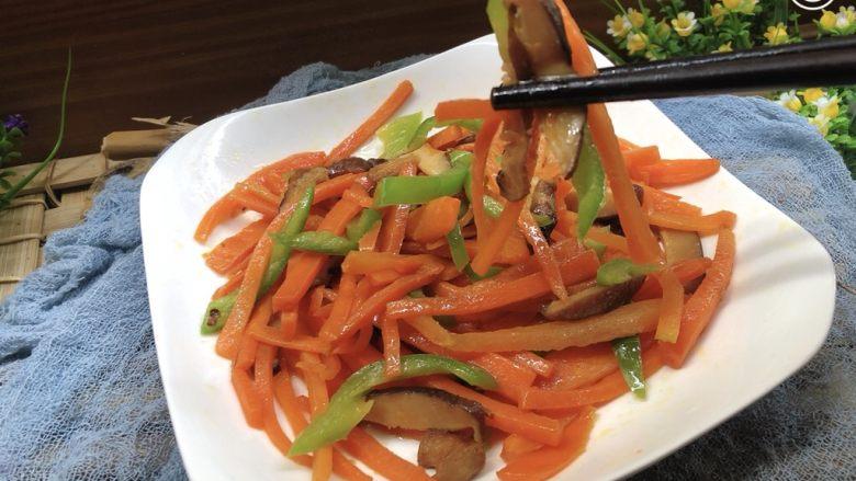 青椒炒胡萝卜,开吃了
