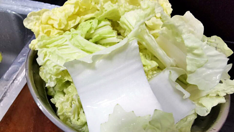 金汤肥牛,白菜切块