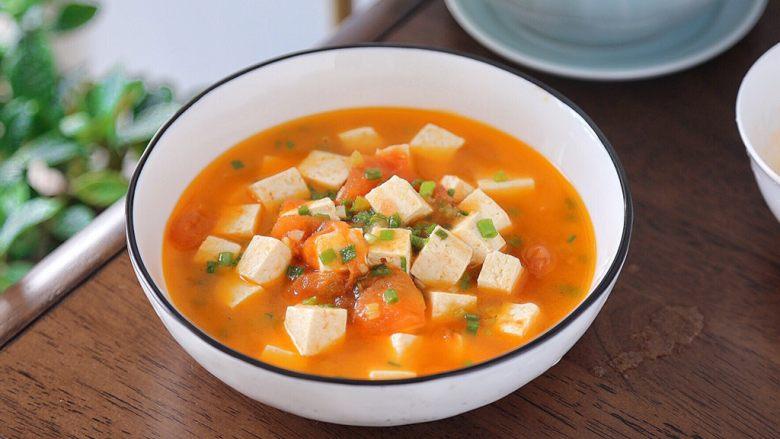 番茄豆腐汤,盛出即可