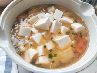 番茄豆腐湯,加入豆腐
