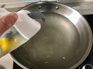 水煮千張,滴幾滴食用油