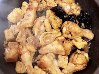 油豆腐燒肉,可以出鍋嘍!