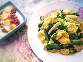 小蔥炒雞蛋,雞蛋嫩滑,蔥香味美。