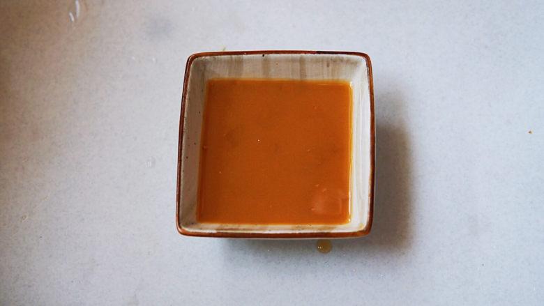 蒜蓉西兰花,水要一点一点加入,搅拌均匀