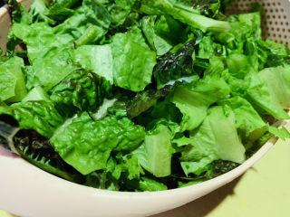清炒萵筍葉,裝盆,待用