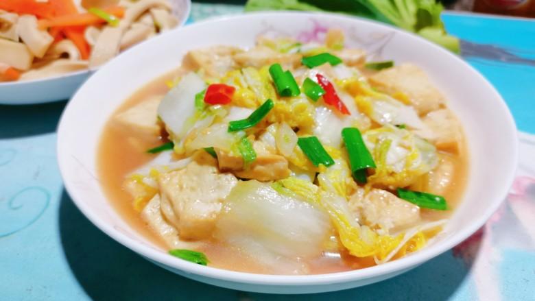 白菜炒豆腐,出锅啰!