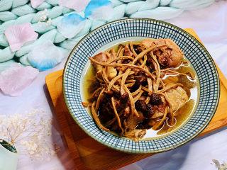 茶树菇炖鸡汤,茶树菇鸡汤,成品图