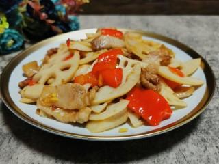 莲藕炒肉片,成品图
