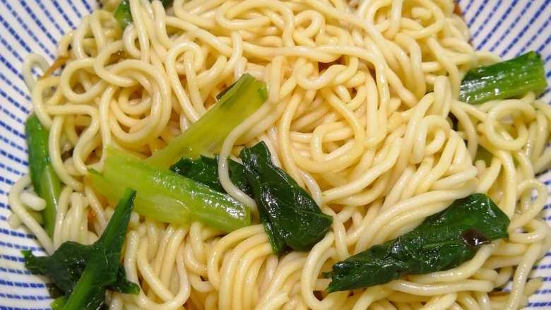 油麦菜拌面条,成品图