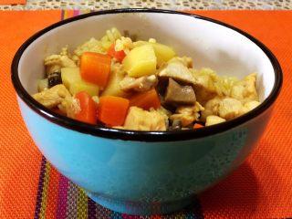 咖喱鸡肉米饭,出锅盛碗