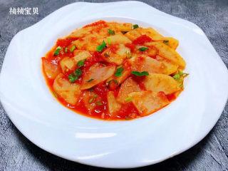 西红柿炒土豆片,西红柿炒土豆片装入盘中就大功告成了