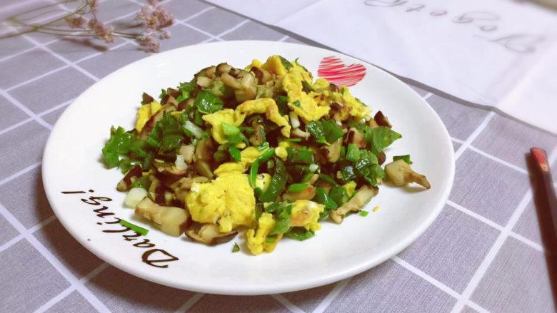 香菇炒鸡蛋,满有食欲~