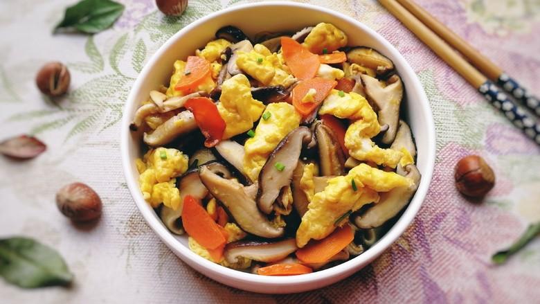 香菇炒鸡蛋,鲜香入味,松软嫩滑。