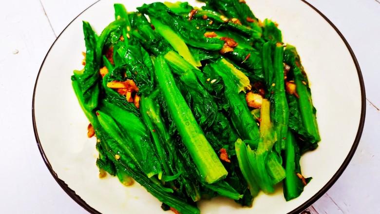 凉拌油麦菜,吃的时候拌匀即可。