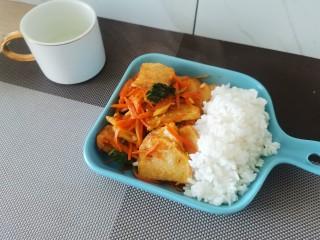 锅包土豆片,再配上一碗米饭