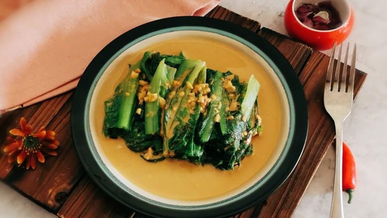凉拌油麦菜,可以上桌啦。