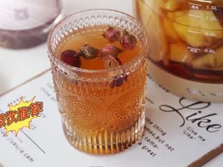 一款疏肝理气,适合春天喝的花茶~玫瑰苹果花茶,下午茶来上一杯,心情也会美美哒~